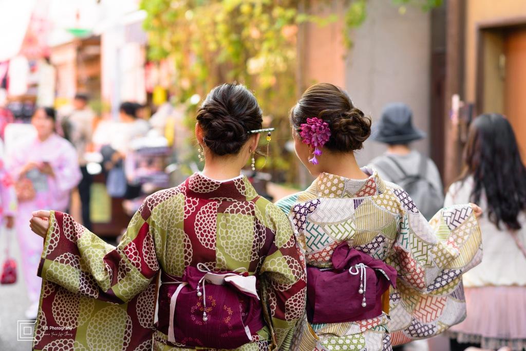 Japanese girls wearing Kimono in Asakusa Area, by Cristian Bucur Photographer in Tokyo Metropolitan Area